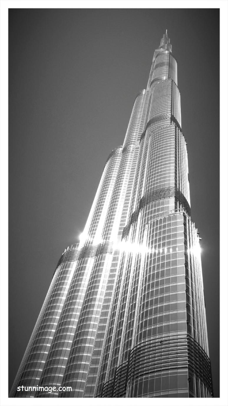 burj khaliffe bw.jpg